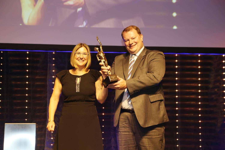 Tina und Ulrich Betzold mit Auszeichnung des Großen Preis des Mittelstands 2020