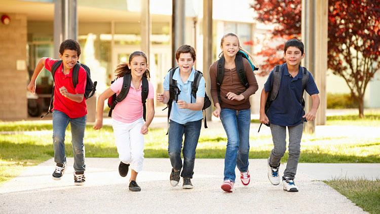Schüler rennen