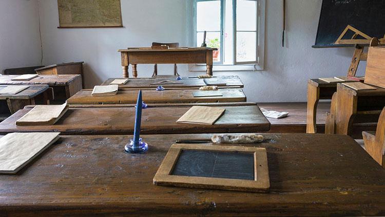 Lehrerinnen-Zölibat